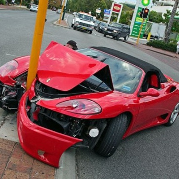 Ferrari crash orig