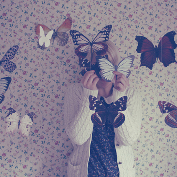 Butterflies girl photography vintage wallpaper favim.com 280025 original
