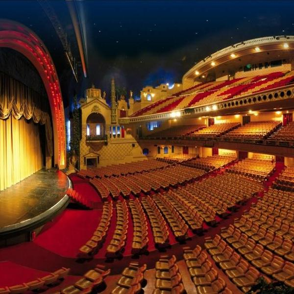 Avant premiere de batman au grand rex maintenue