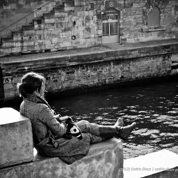 Solitude melancolie paris seine 2012