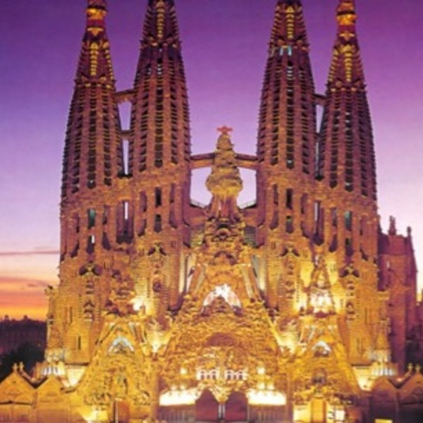 Sagrada familia parc gueel in out barcelona tours main