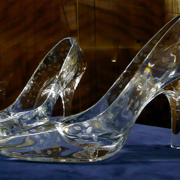 1200px glass slippers at dartington crystal 1